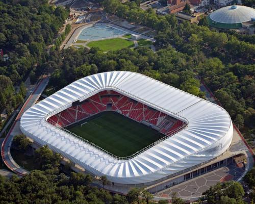 nagyerdei stadion10